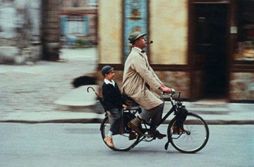 Monsieur Hulot e o sobrinho Gérard. Foto: Les Films de Mon Oncle
